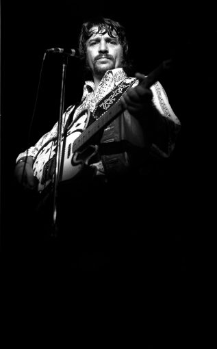 Waylon Jennings, 1974, Armadillo World Headquarters, Austin